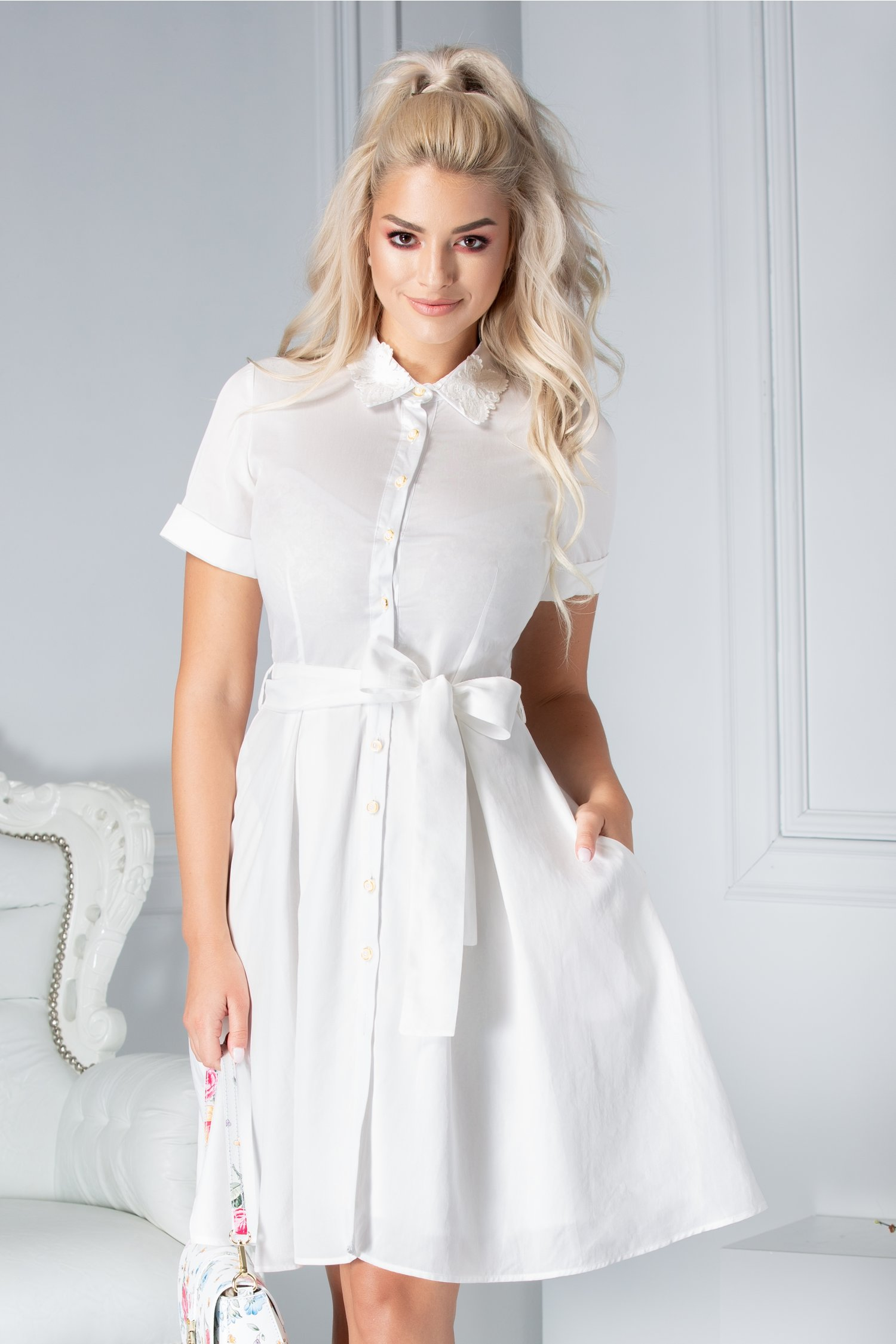 Rochie Pretty Girl Dalma alba stil camasa cu fluturi brodati la guler