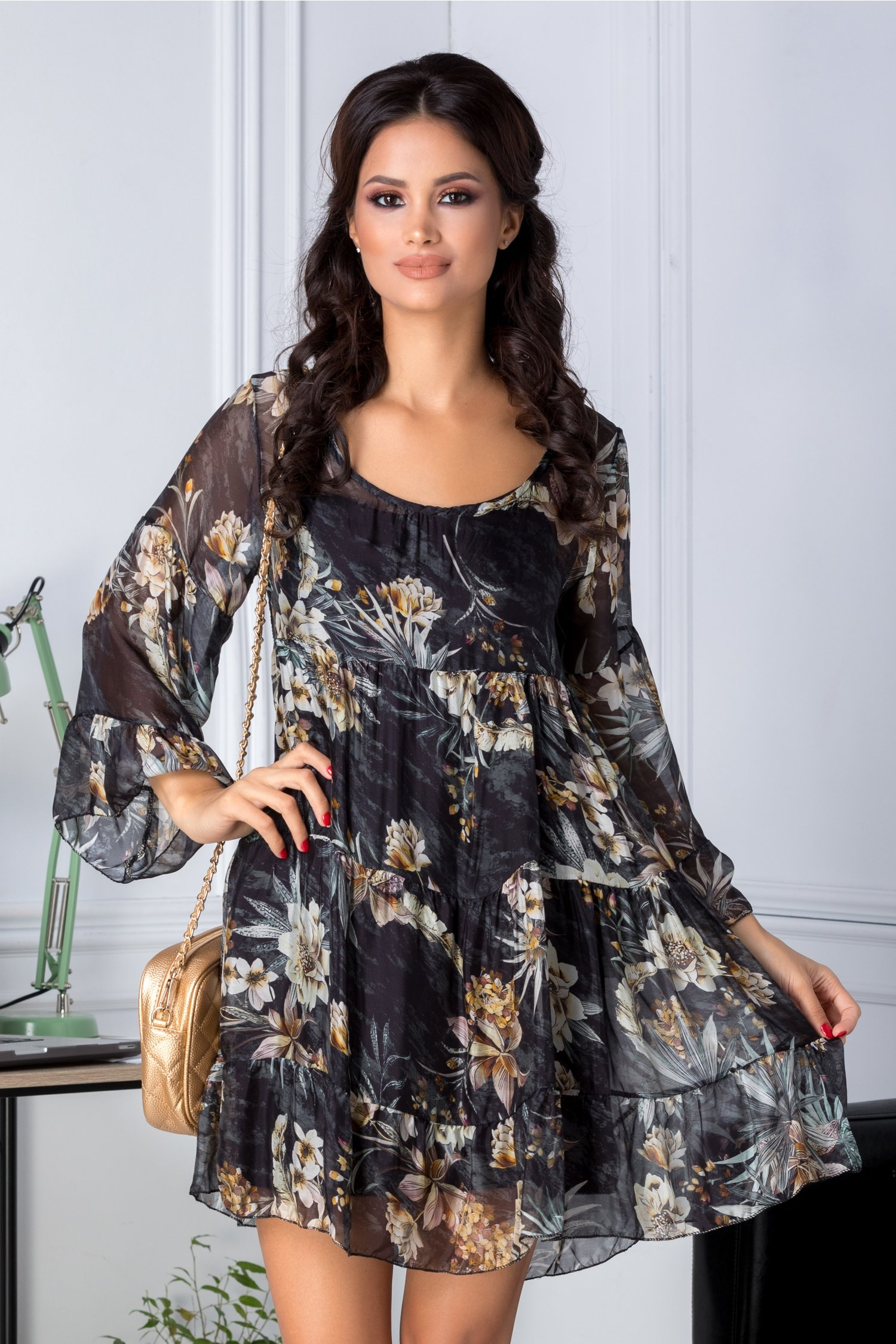 Rochie Dany neagra vaporoasa cu imprimeu floral