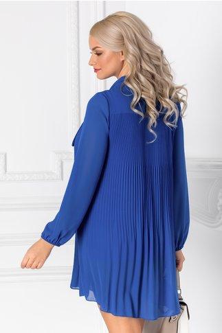 Rochie Derny albastra plisata si funda la guler