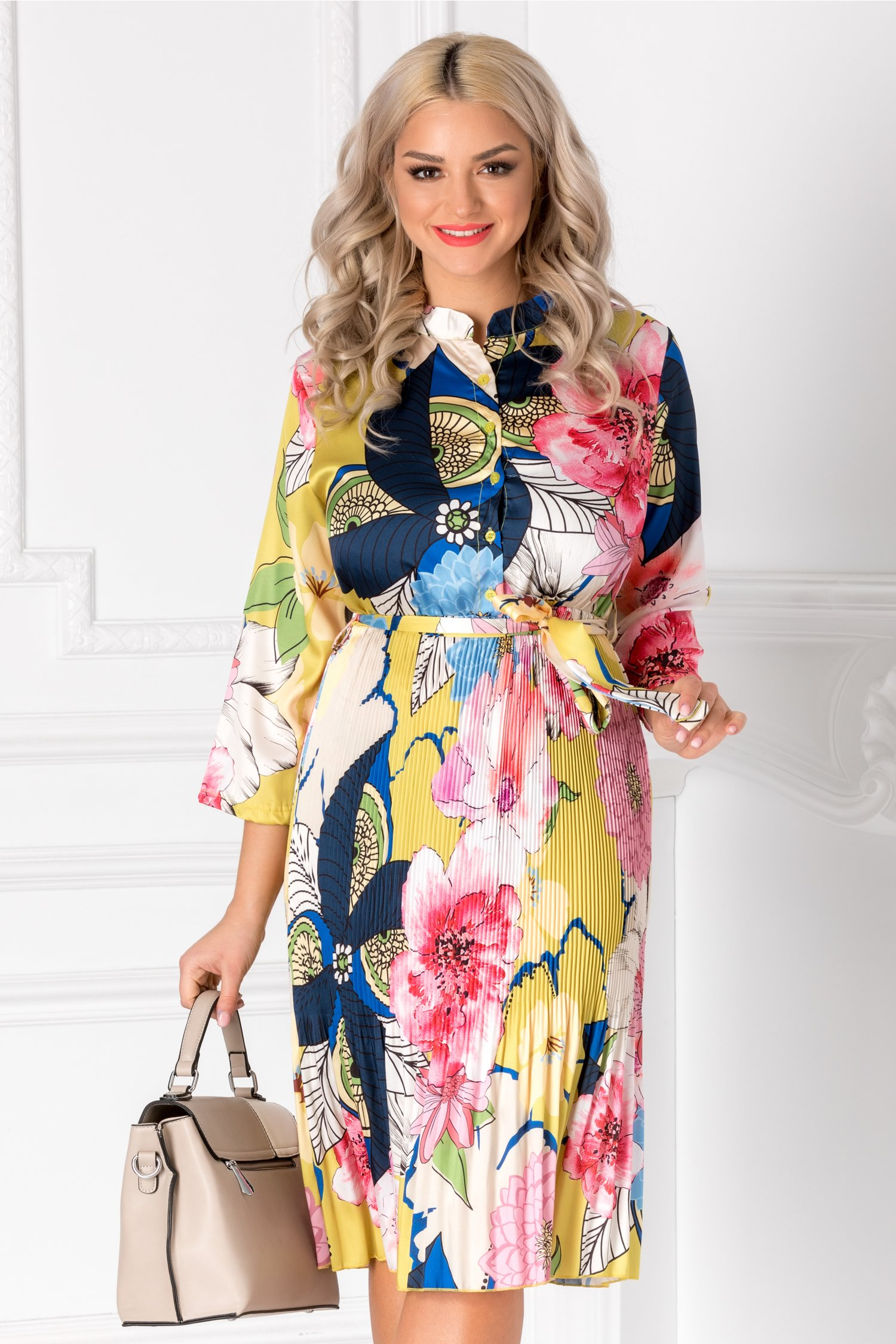 Rochie Diva midi galbena cu imprimeuri colorate si nasturi la bust
