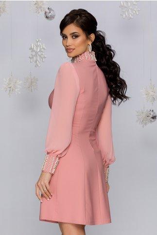 Rochie Eliza roz cu perle la guler si mansete