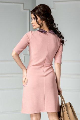 Rochie Estel roz evazata cu guler elegant