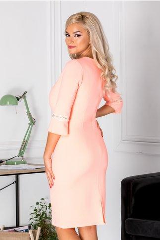 Rochie Evi de ocazie roz neon cu aplicatii din dantela