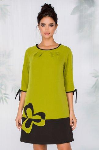 Rochie FanyLux in linie A verde lime cu floare aplicata