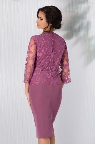 Rochie Gratiela roz prafuit cu peplum si dantela la bust