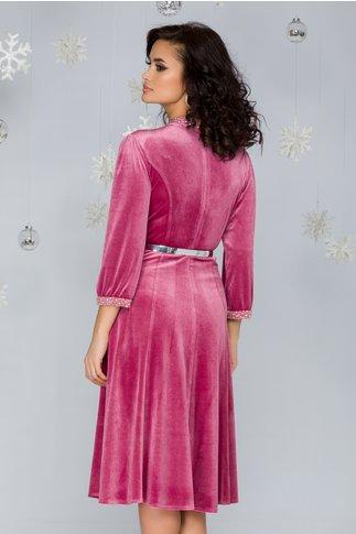 Rochie Imari roz din catifea accesorizata cu strasuri si curea in talie
