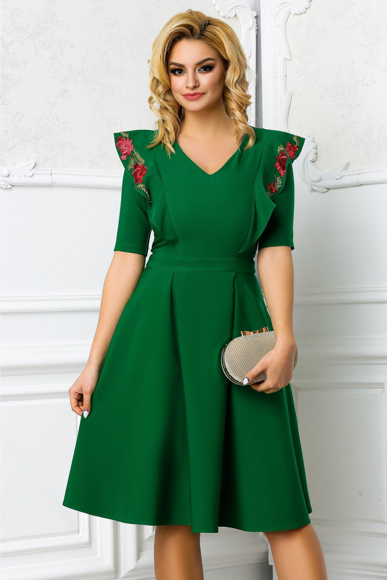 Rochie Iunia verde cu broderie si pliuri