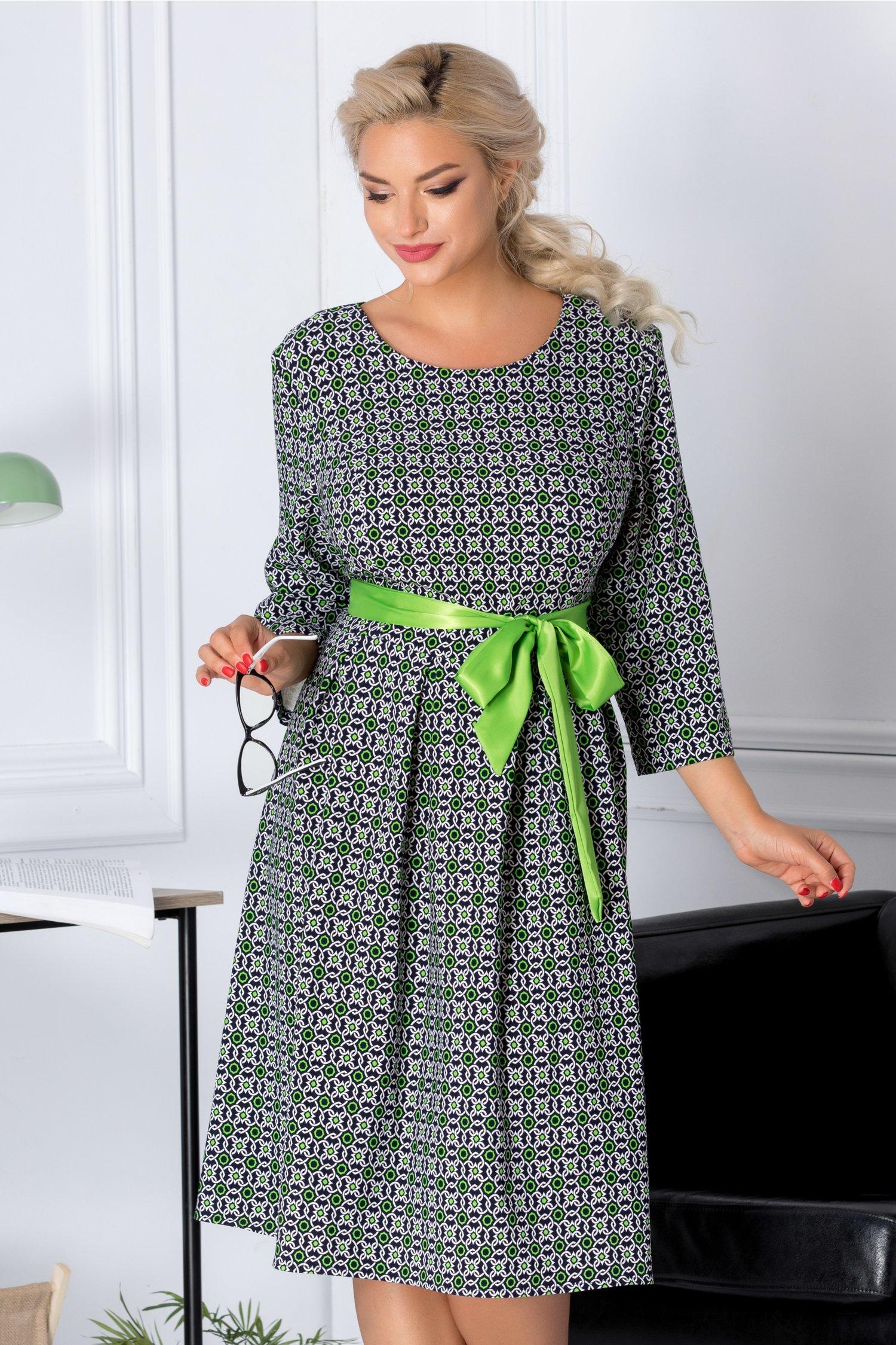 Rochie Kari bleumarin cu imprimeu alb si verde