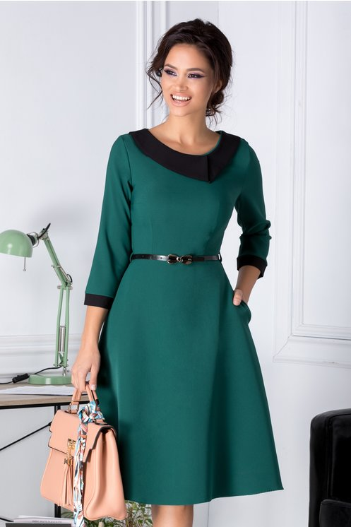 Rochie Karina verde in clos cu guler negru