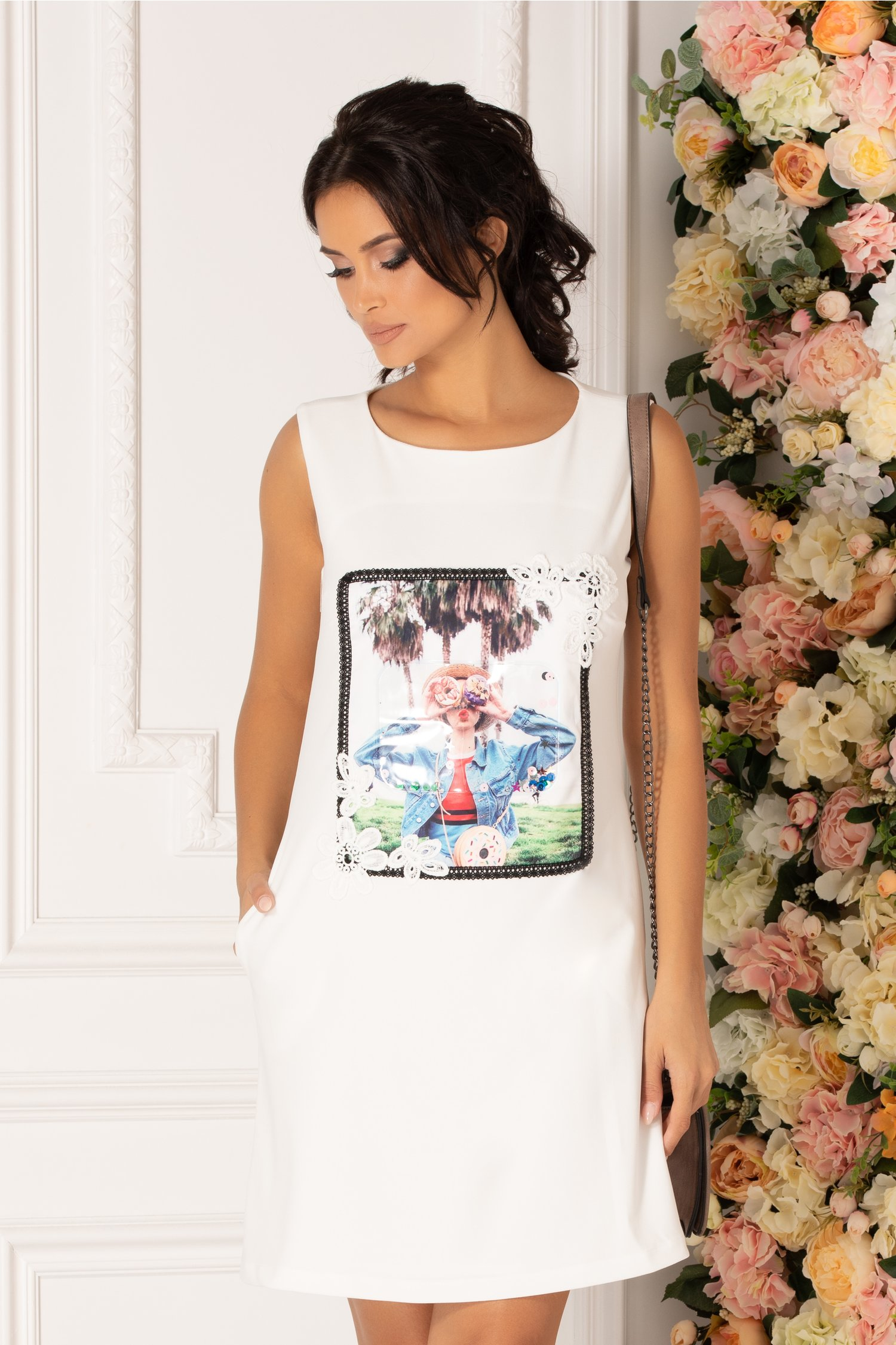 Rochie LaDonna alba cu broderie si imprimeu modern pe fata