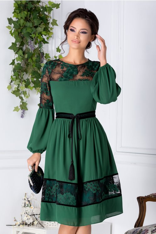 Rochie LaDonna clos verde cu flori brodate