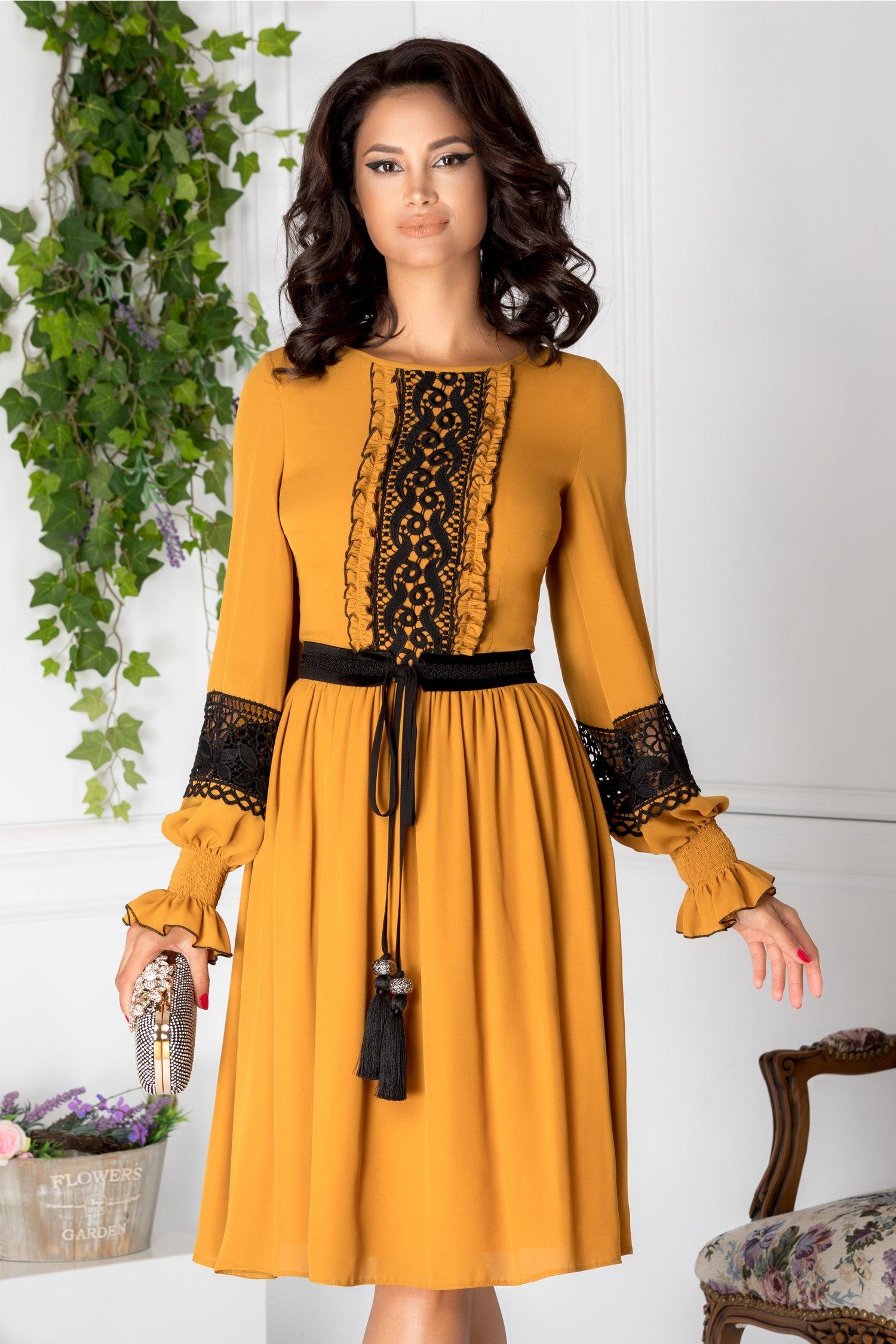 Rochie LaDonna galben mustar cu detalii vintage negre