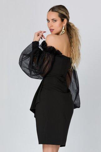 Rochie LaDonna neagra accesorizata cu tull delicat