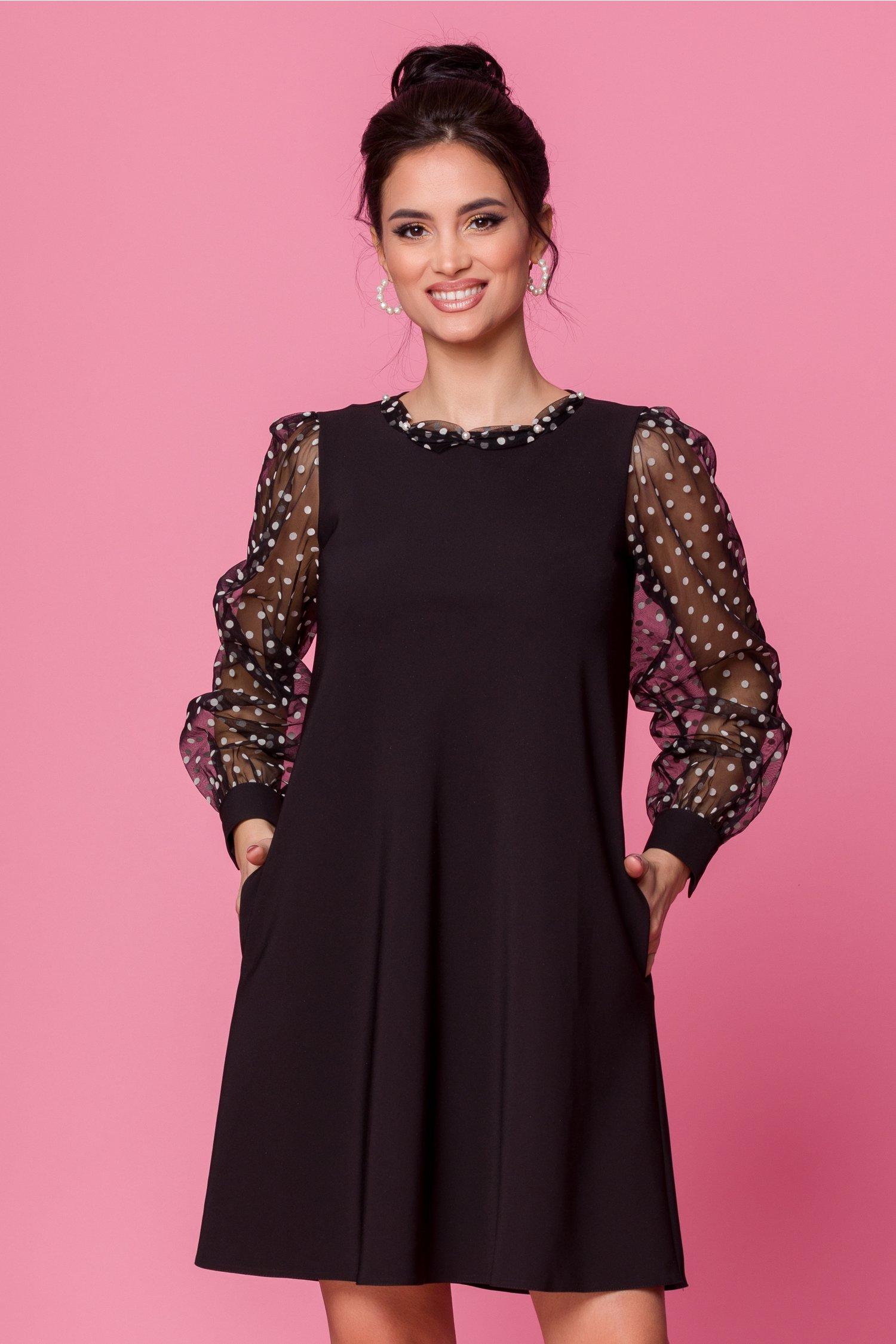 Rochie LaDonna neagra accesorizata cu tull negru si insertii din catifea