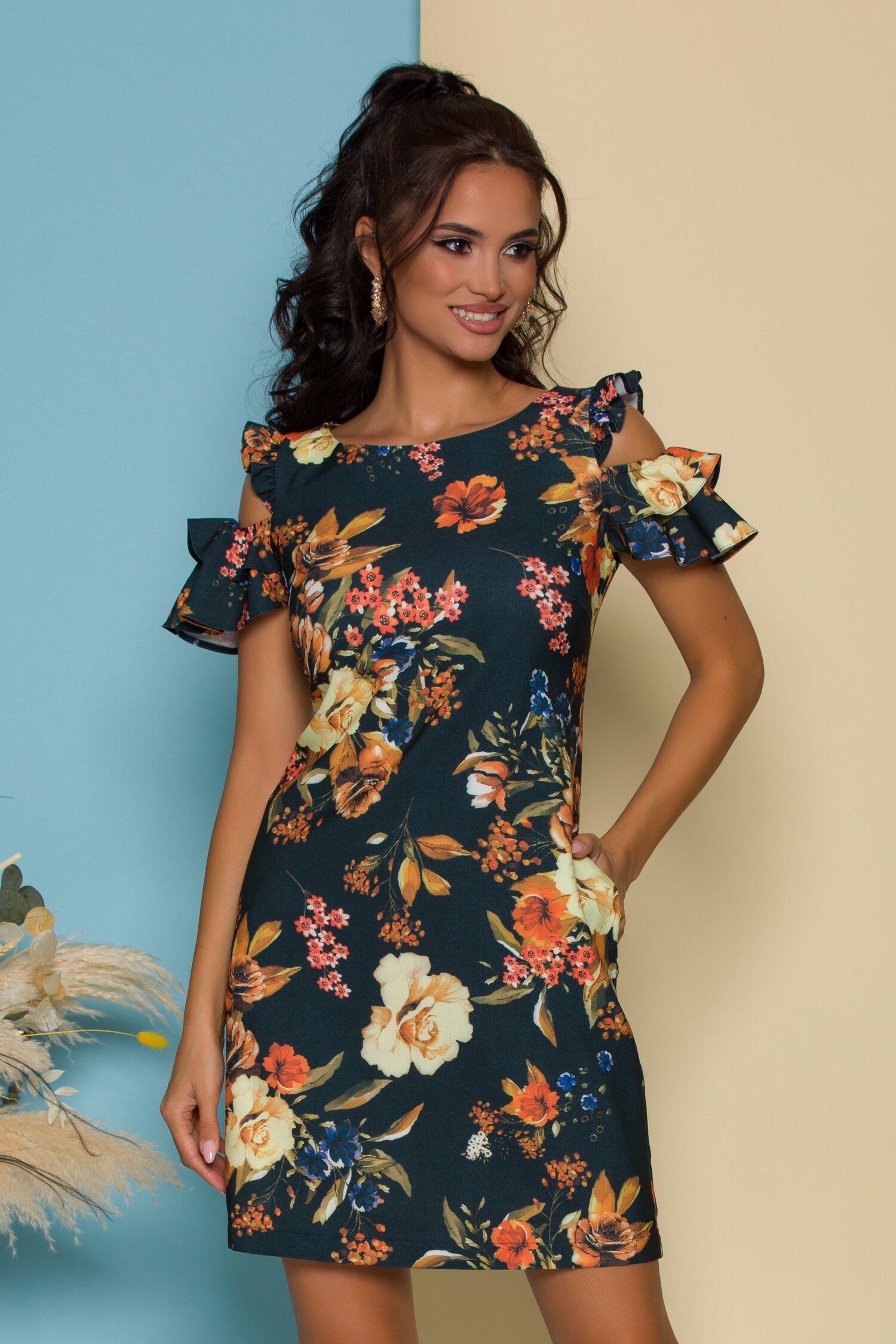 Rochie LaDonna neagra cu imprimeu floral si buzunare functionale