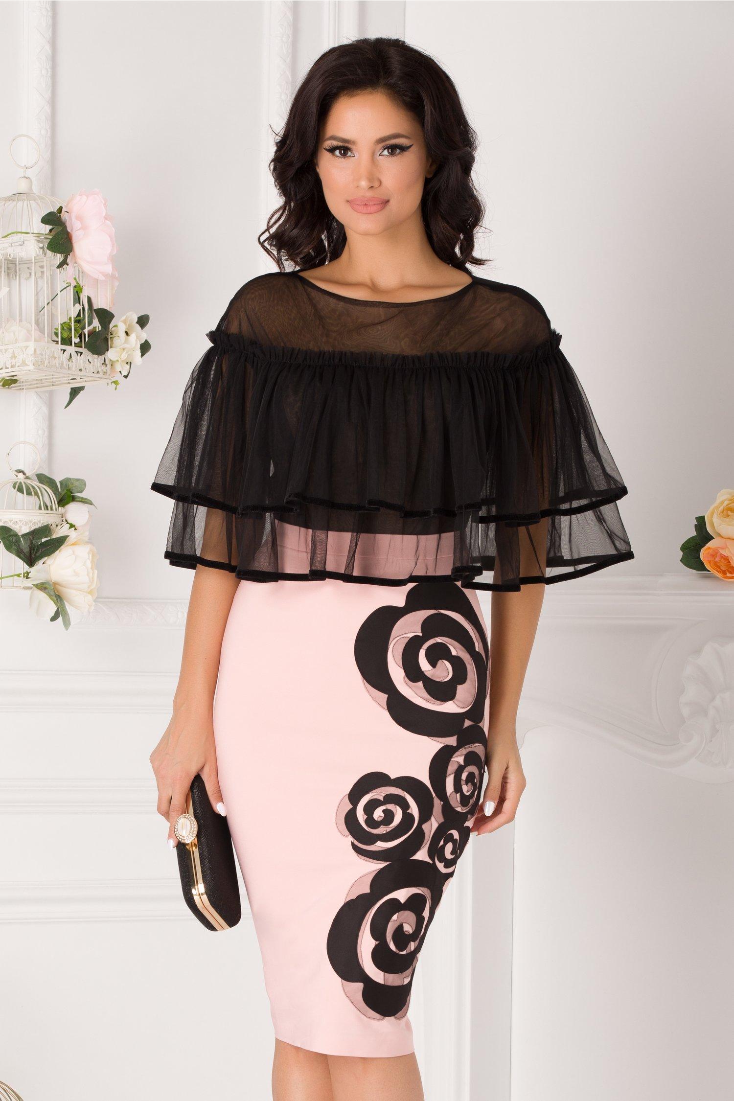 Rochie LaDonna roz pal cu volane la umeri si flori la baza