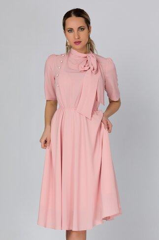 Rochie LaDonna roz pudrat cu nasturi si funda la guler