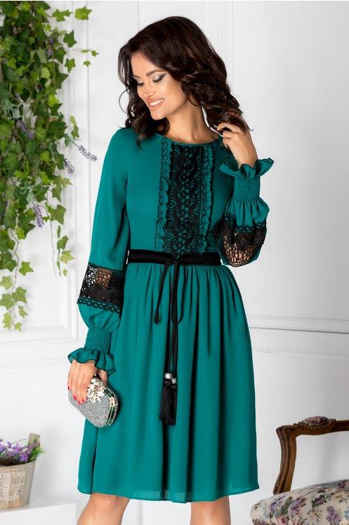 Rochie LaDonna verde cu detalii vintage negre