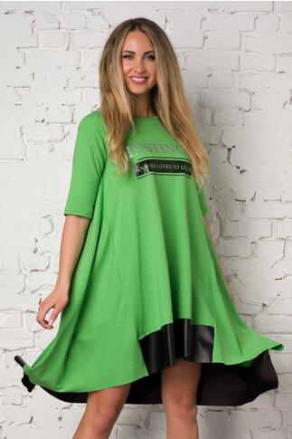 Rochie LaDonna verde deschis cu text imprimat si insertii din piele ecologica neagra