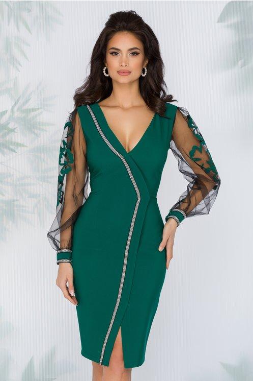 Rochie LaDonna verde stil sacou cu aplicatie din margele si maneci din tull