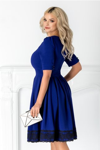 Rochie Larra albastra cu broderie la bust si la baza