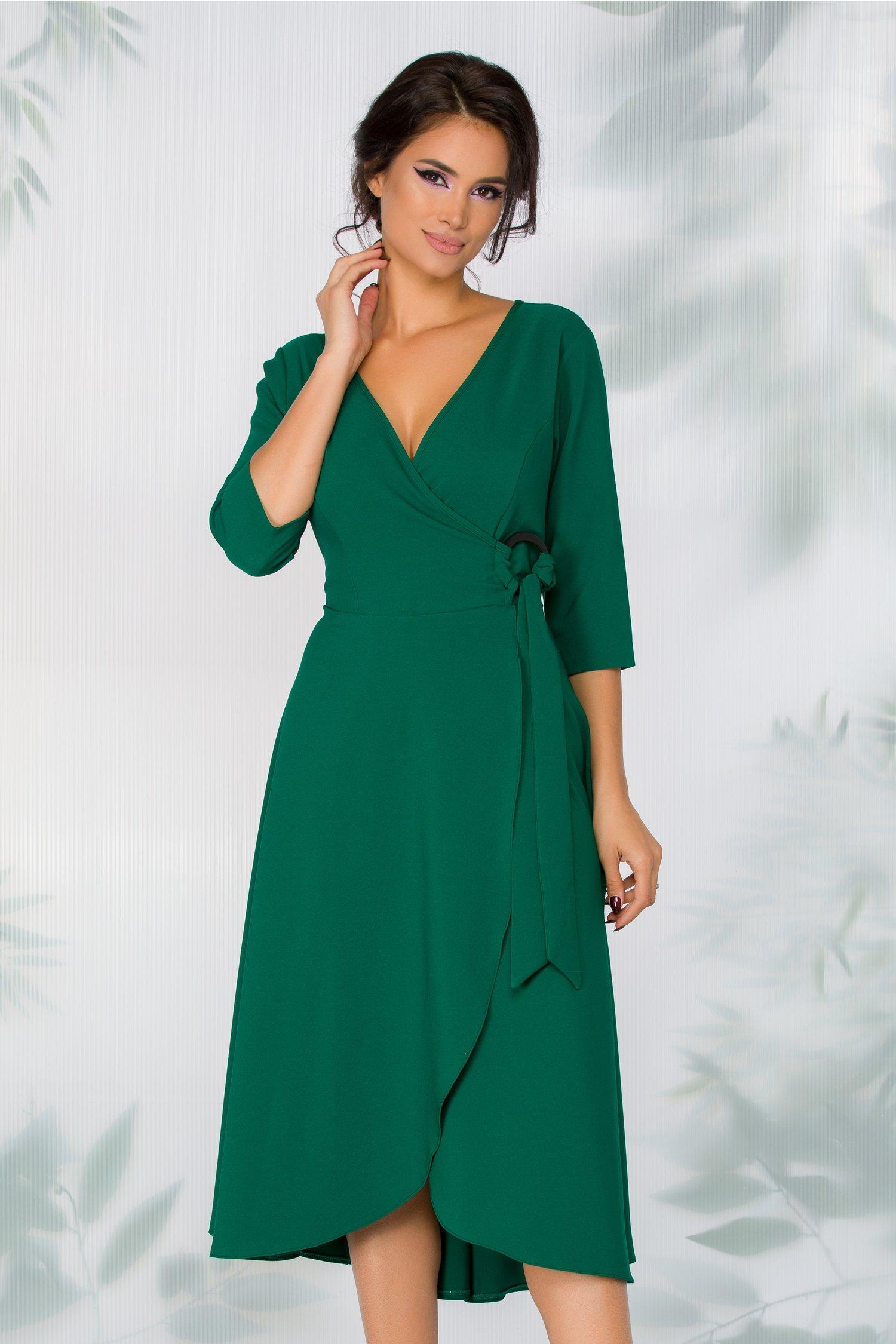 Rochie Leonella verde smarald cu aspect petrecut si detaliu metalic in talie