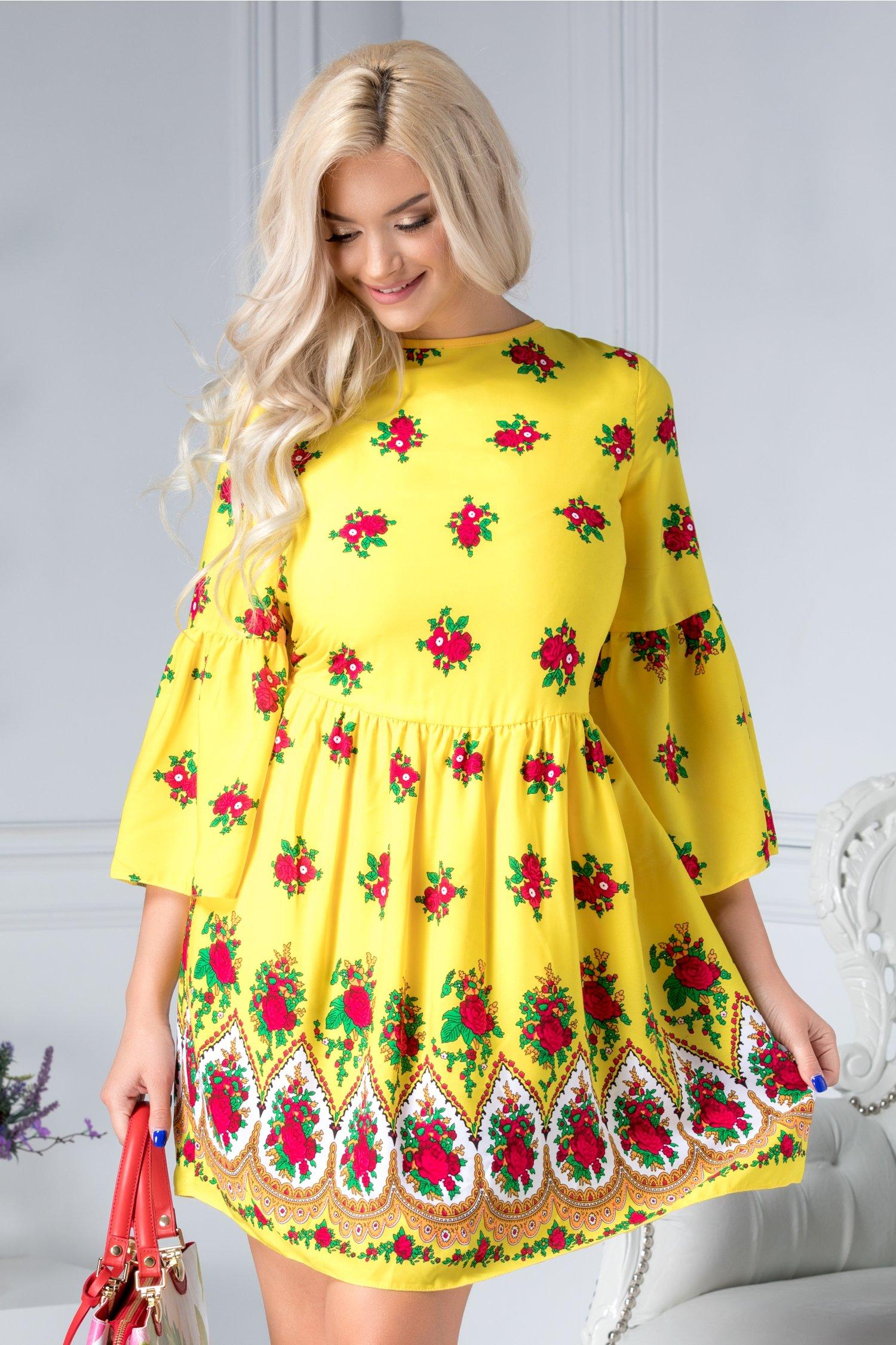 Rochie Ladonna Liliane galbena cu motive florale si spatele gol