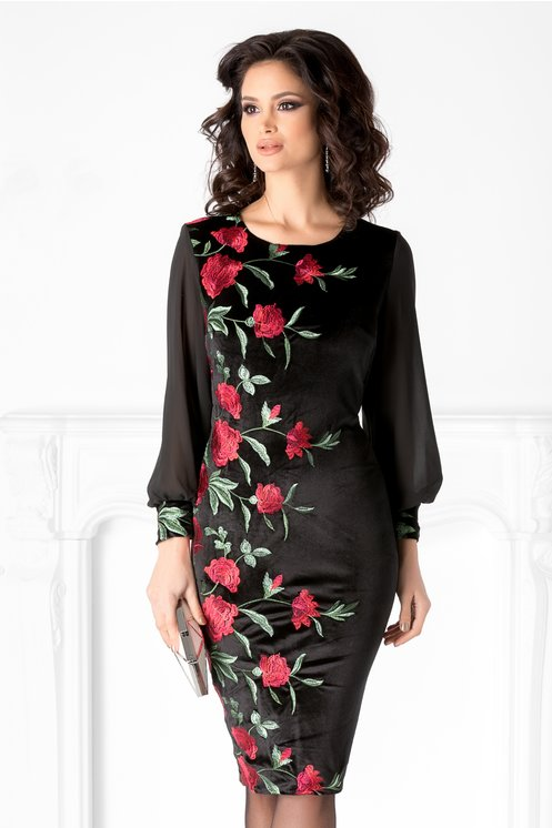 Rochie Lorelai neagra din catifea cu broderie florala rosie