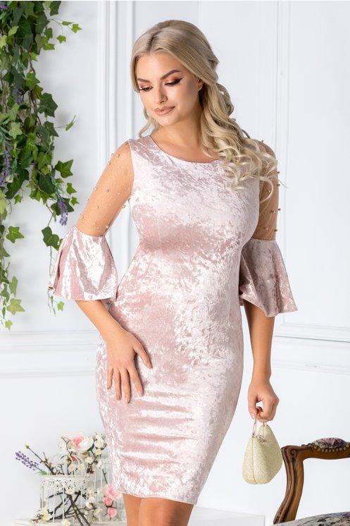 Rochie Mabel roz pudrat din catifea cu reflexii si perle
