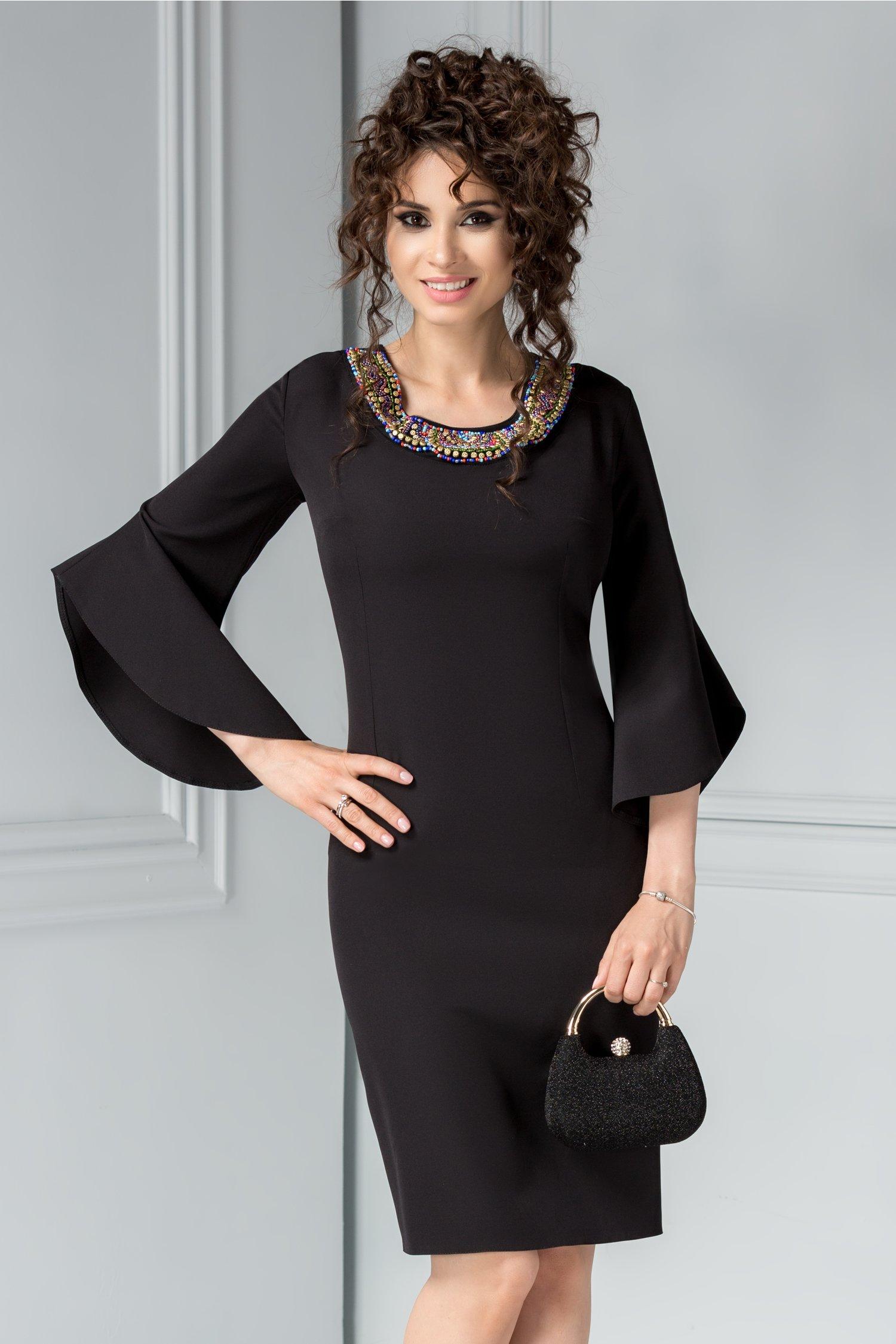 Rochie Maura neagra cu aplicatii elegante