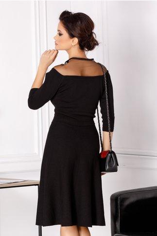 Rochie Maya neagra din tricot cu broderie