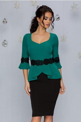 Rochie MBG verde si negru cu broderie florala in talie si la maneci