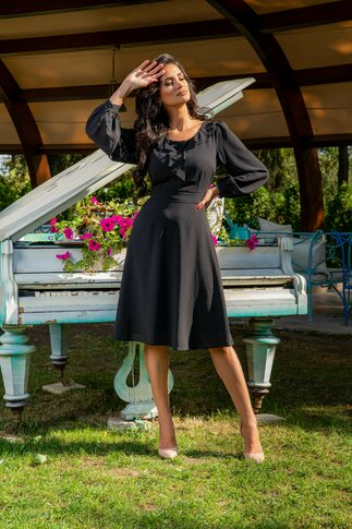 Rochie Mela neagra cu volane la bust