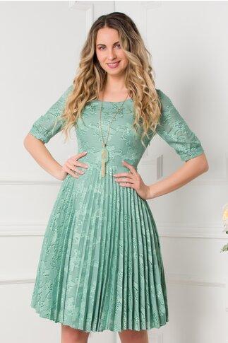 Rochie Mikaela verde mint cu model deosebit si pliuri