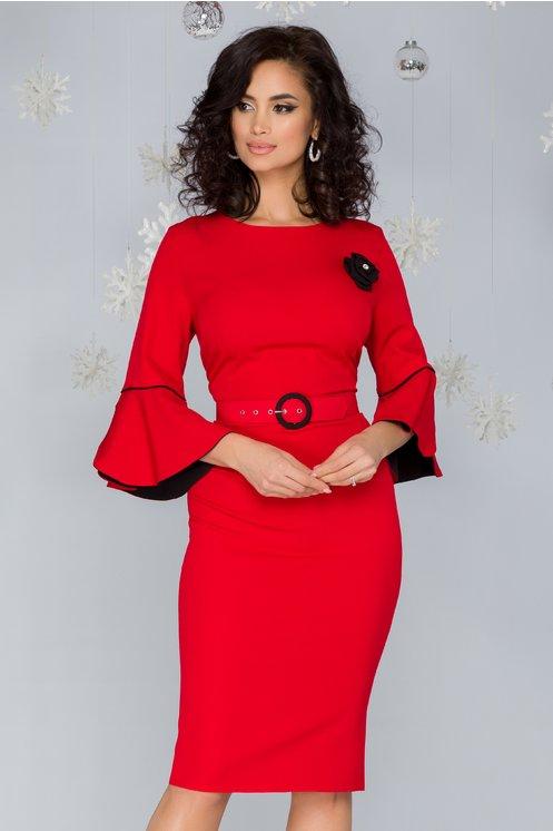 Rochie Millie rosie cu maneci clopot si accesoriu tip trandafir