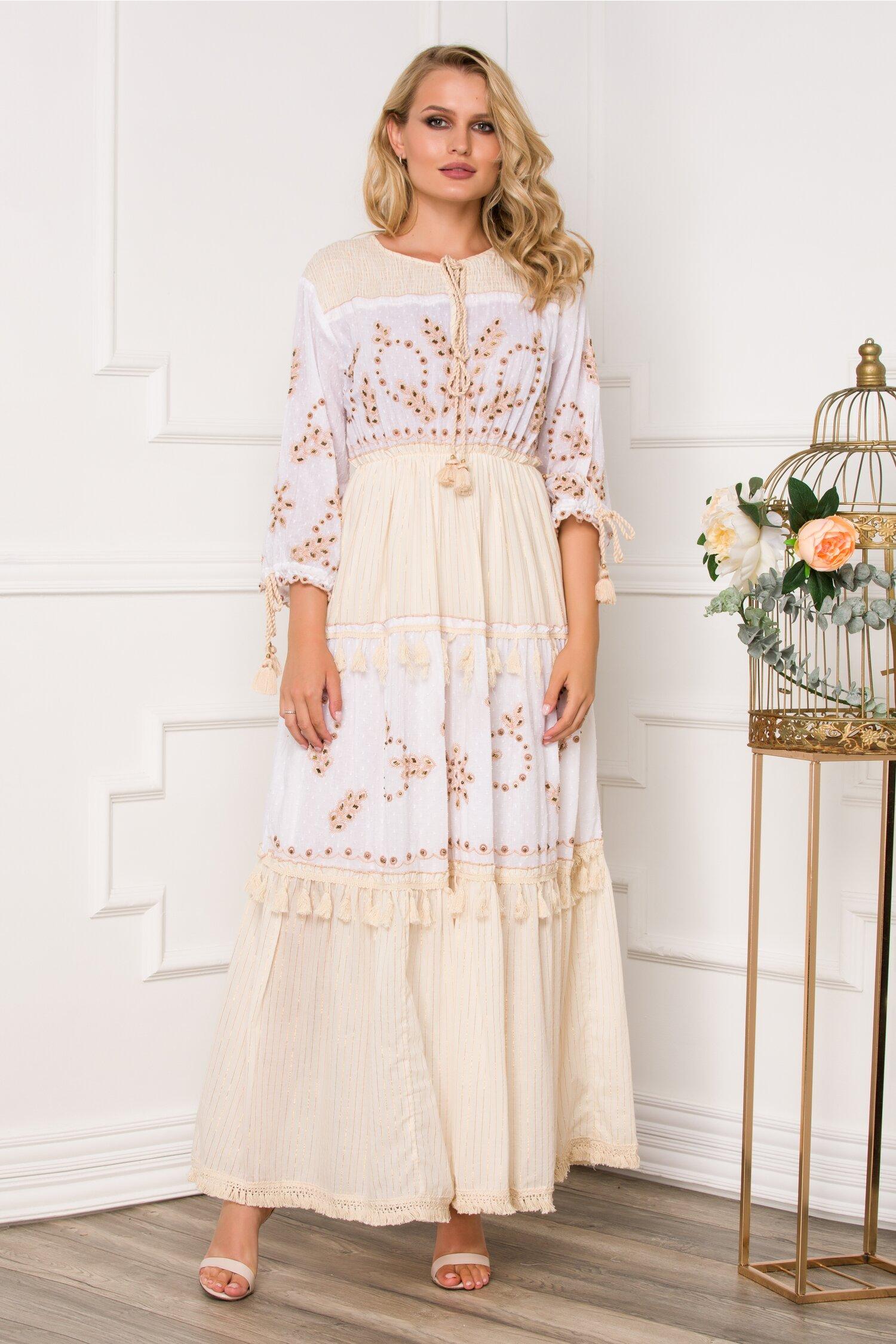 Rochie Mira lunga beige accesorizata cu franjuri si broderie cu margelute
