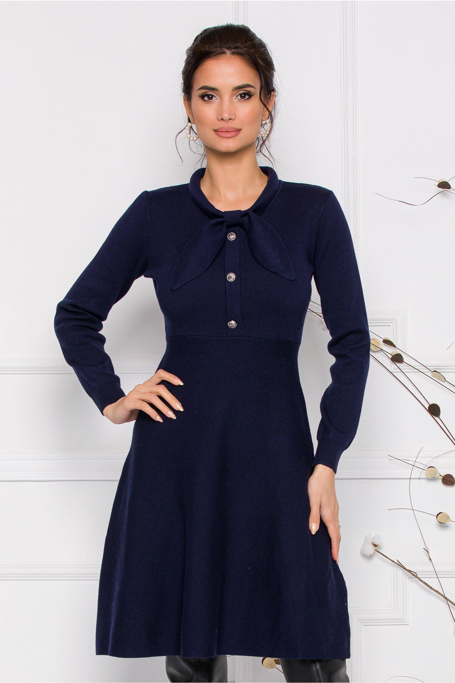 Rochie Mirabela bleumarin din tricot cu funda la guler imagine