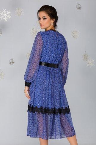 Rochie Mirela albastra cu imprimeu floral si insertii din dantela
