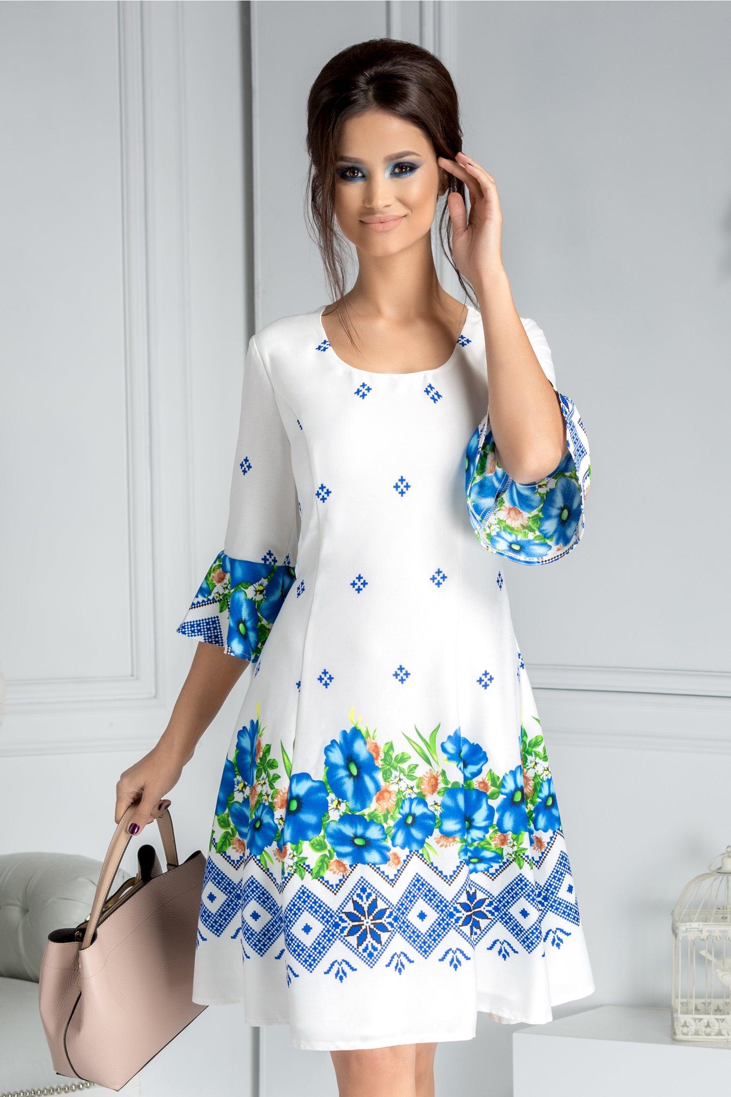 Rochie Mirena alba clos cu motive traditionale albastre