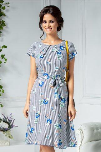 Rochie Missa de vara alba cu dungi si flori albastre