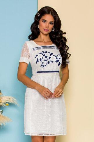 Rochie Moze alba din dantela  cu imprimeu floral la bust si inchidere cu nasturi la spate