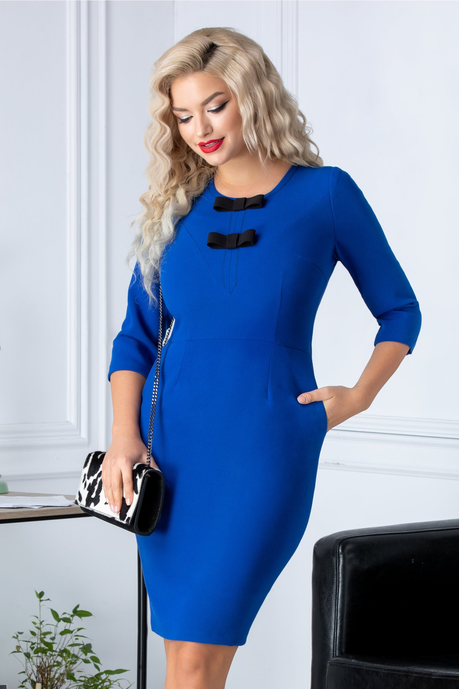 Rochie Moze conica albastra cu fundite la bust