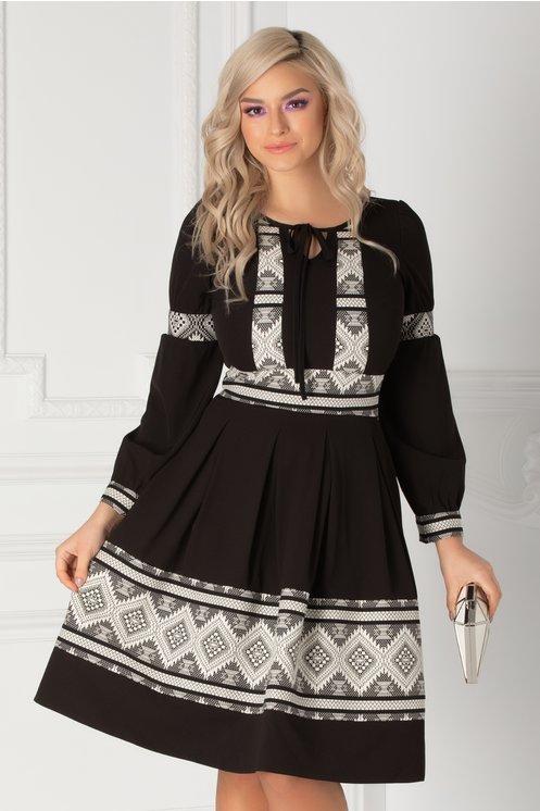 Rochie Moze neagra cu print geometric alb-negru