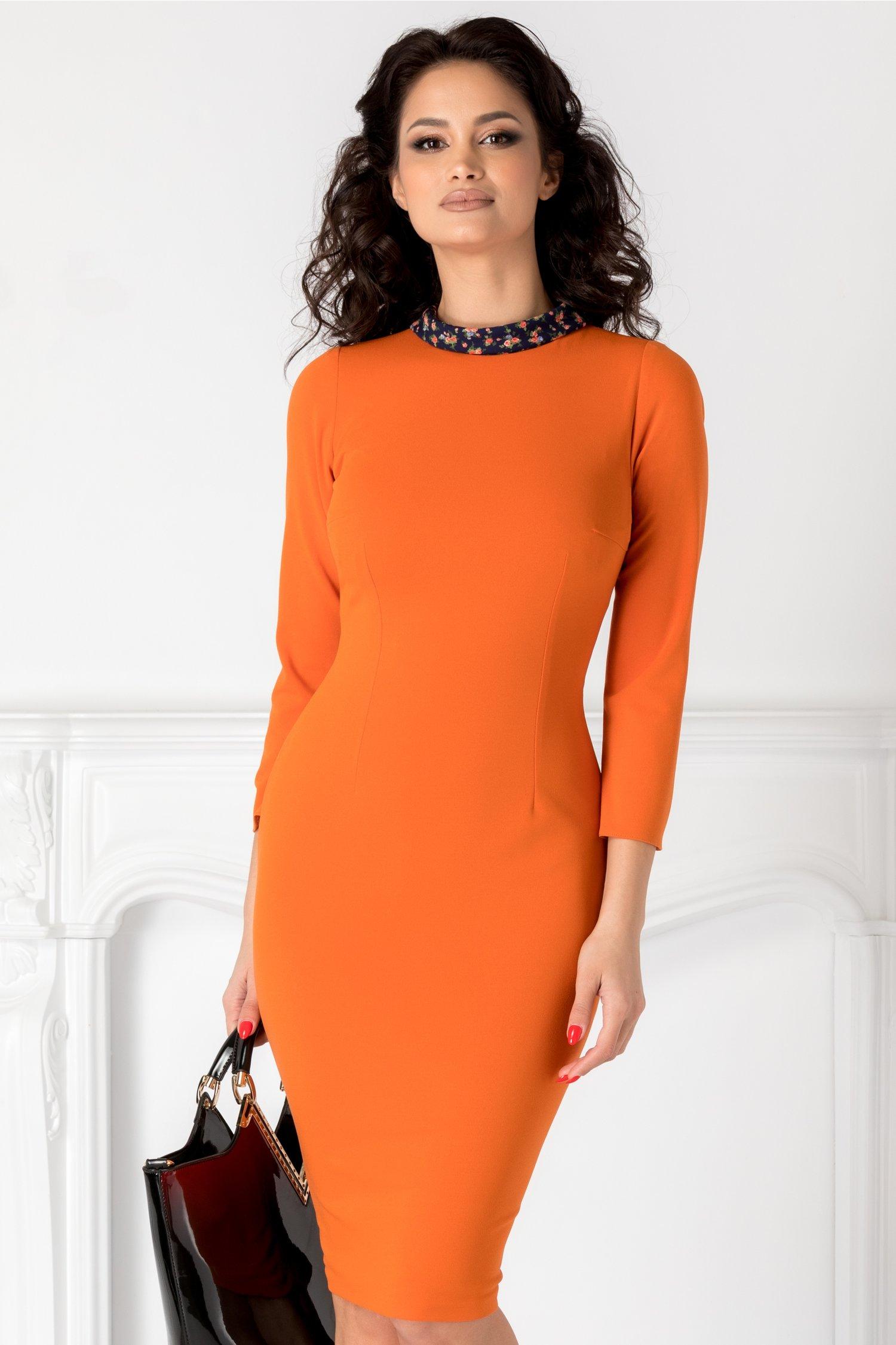 Rochie Moze oranj cu guler bleumarin inflorat