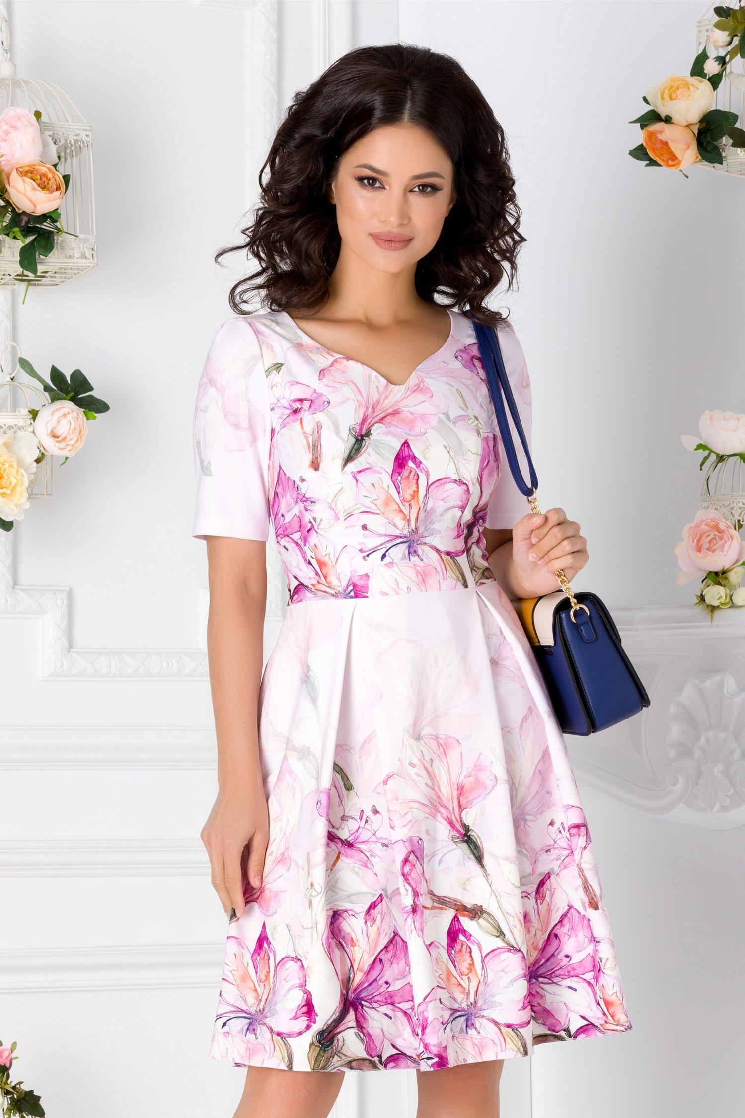 Rochie Myra roz cu imprimeu floral fucsia