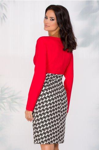 Rochie Nadia rosie cu imprimeu dinamic alb-negru si nasturi pe fusta