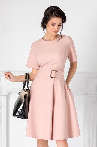 Rochie Nadine roz pal cu accesoriu in talie