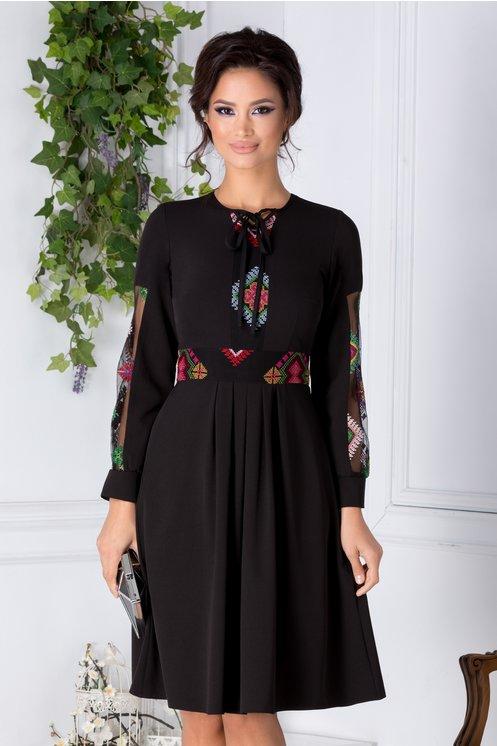 Rochie neagra cu tull brodat multicolor