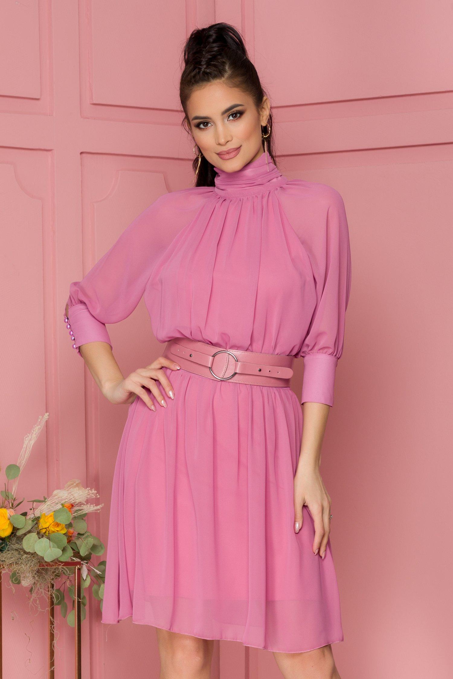 Rochie Nelba roz inchis cu guler si decupaj la spate