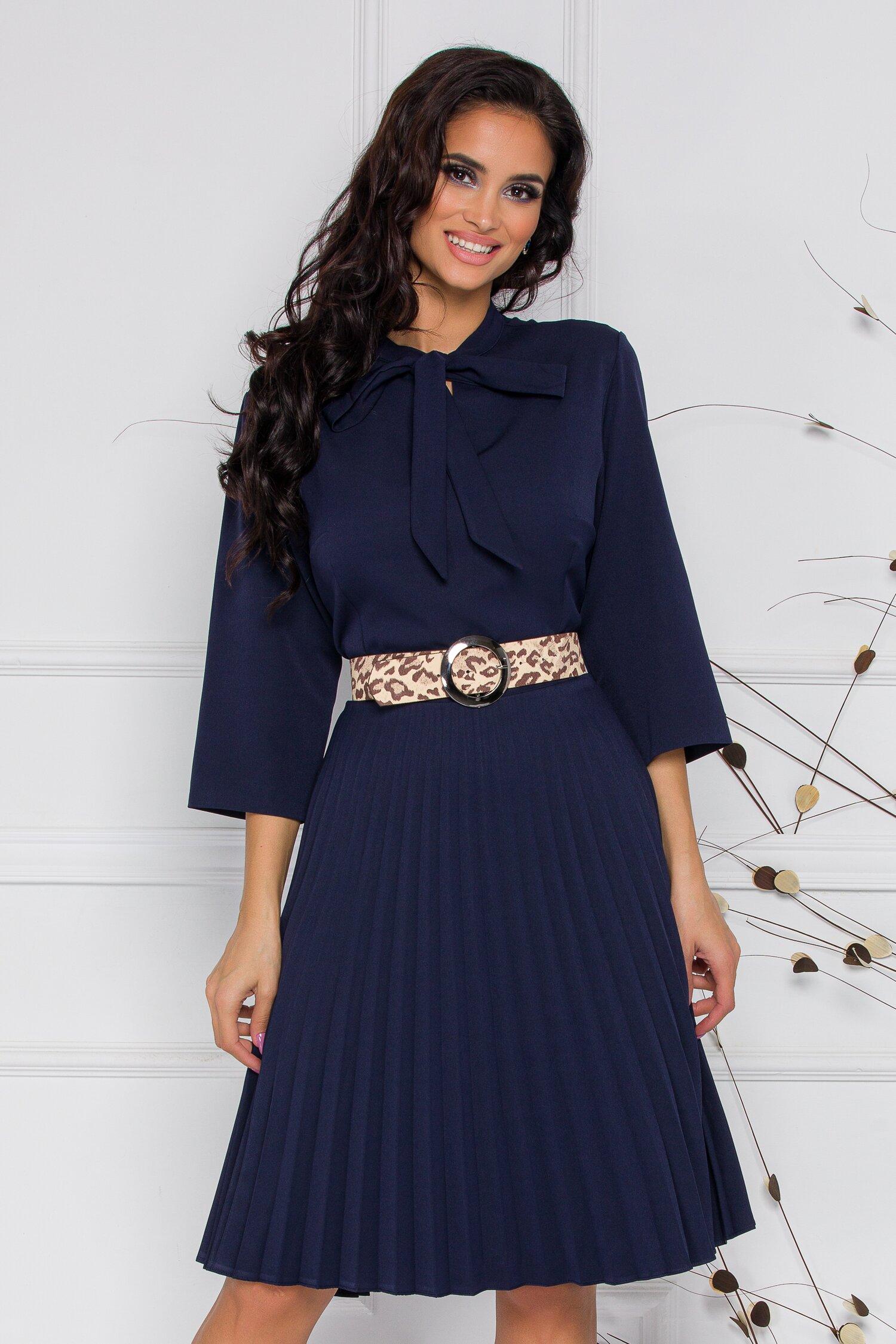 Rochie Pamela bleumarin cu detaliu tip panglica si fusta plisata